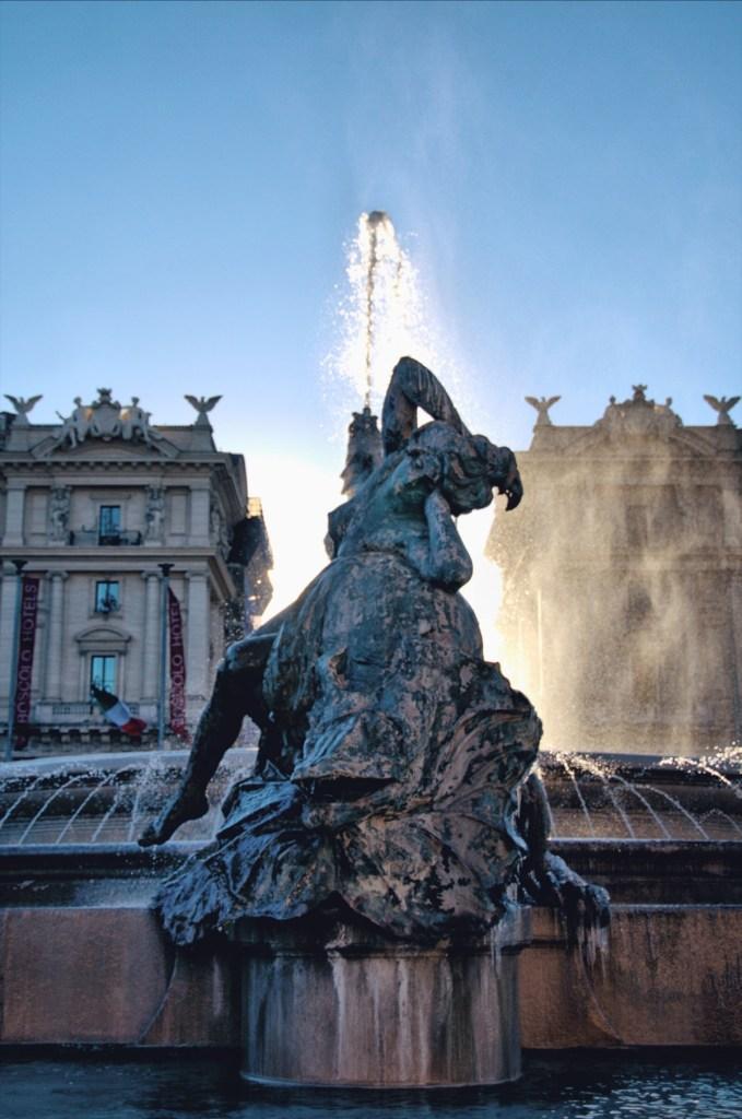 zwiedzanie rzymu - przewodnik po rzymie - fontanny rzymu - fontanna delle naiadi