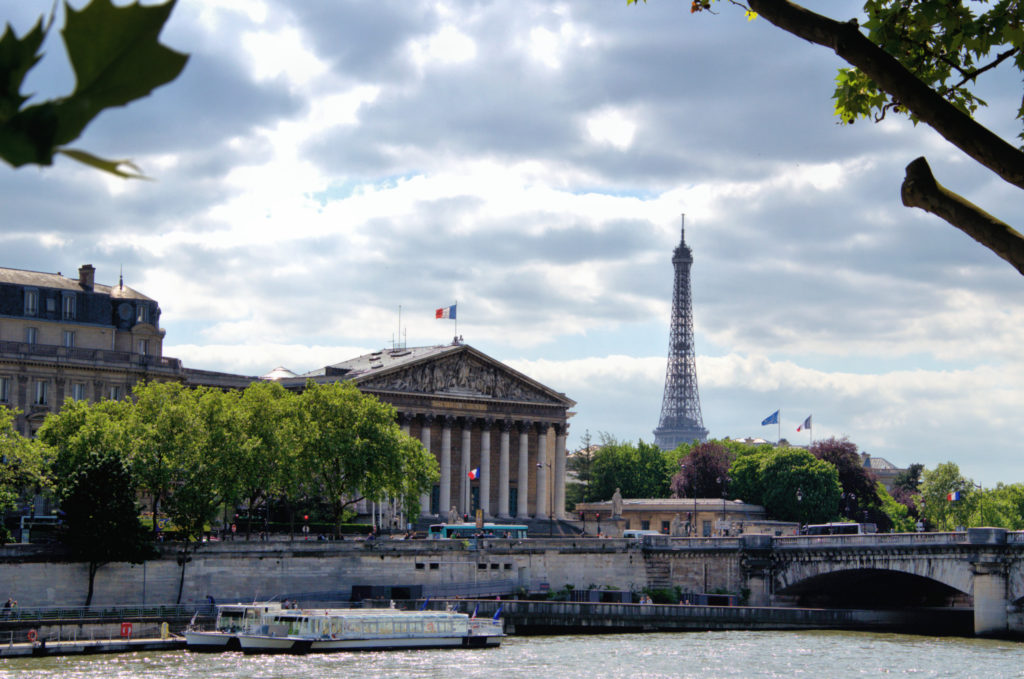 Romantic things to do in Paris - sein river