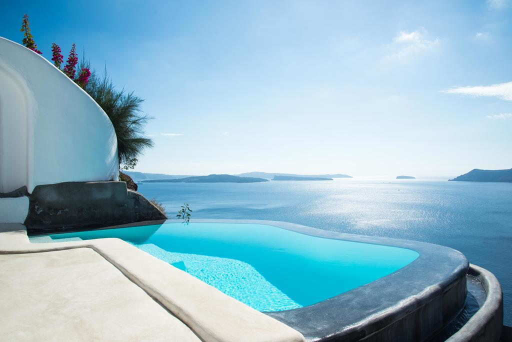 Rooms: Where To Stay In Santorini? 10 Most Amazing Hotels For