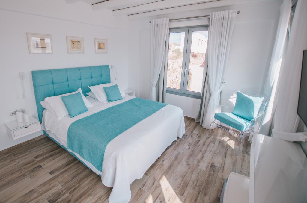 Naxos Rock Villas - sypialnia