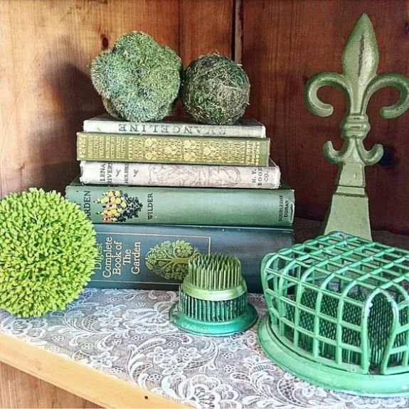 Ideas for decorating with green Beautiful vintage vignette ideas flower frogs vintage moss antique books