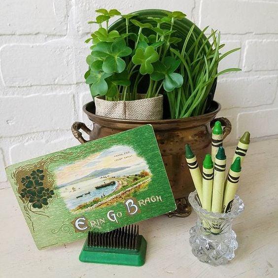 vintage Saint Patrick's Day Decorating ideas sharmocks green antique postcards