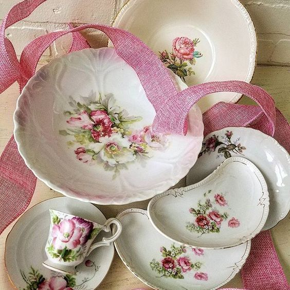 Vintage Shabby Chic Dishes China Teacups with roses
