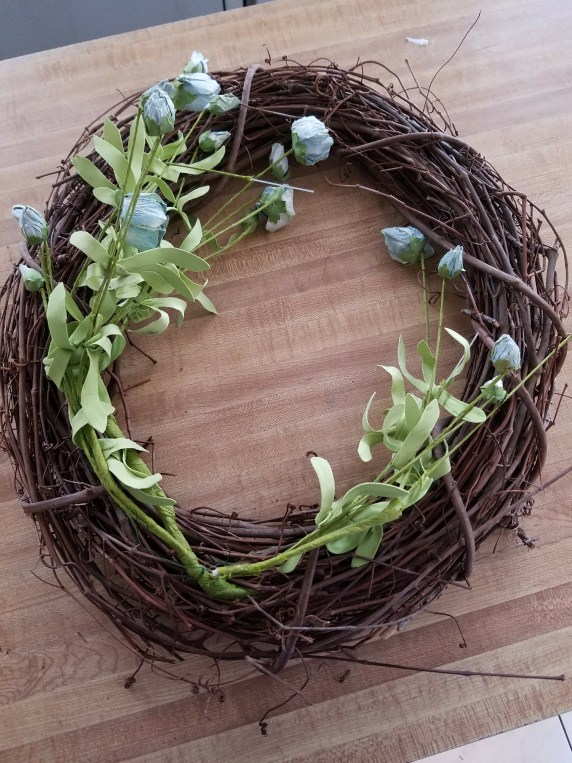 Gorgeous spring wreath tutorial using blue silk roses dried roses