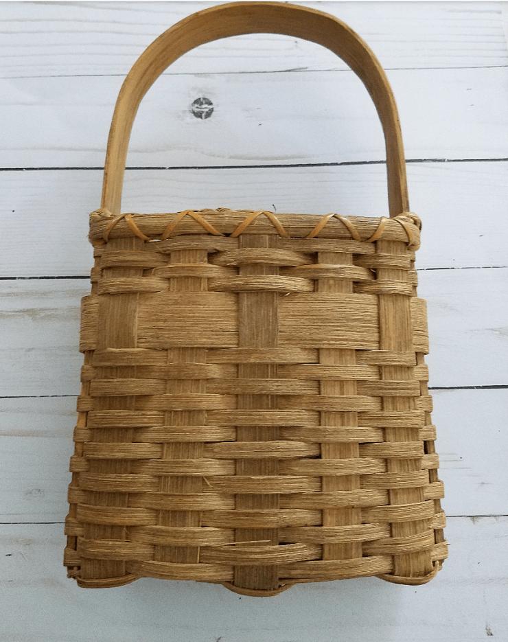 Cute vintage basket farmhouse style basket