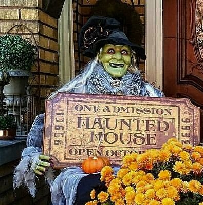 Shabby chic Halloween Witch Halloween Porch Decorating Ideas