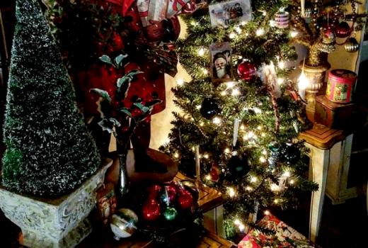Beautiful traditional and Christmas home tour