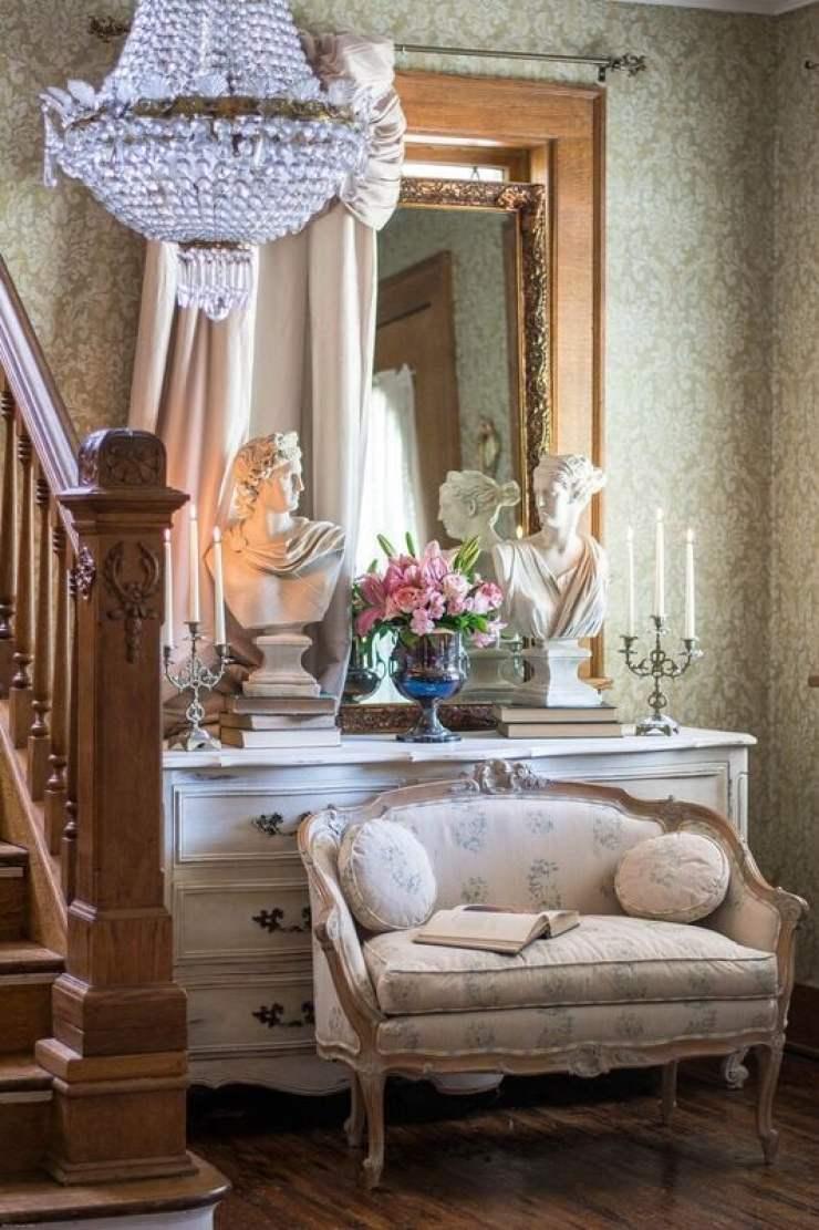 antique european settee French antiques chandelier historic home tour