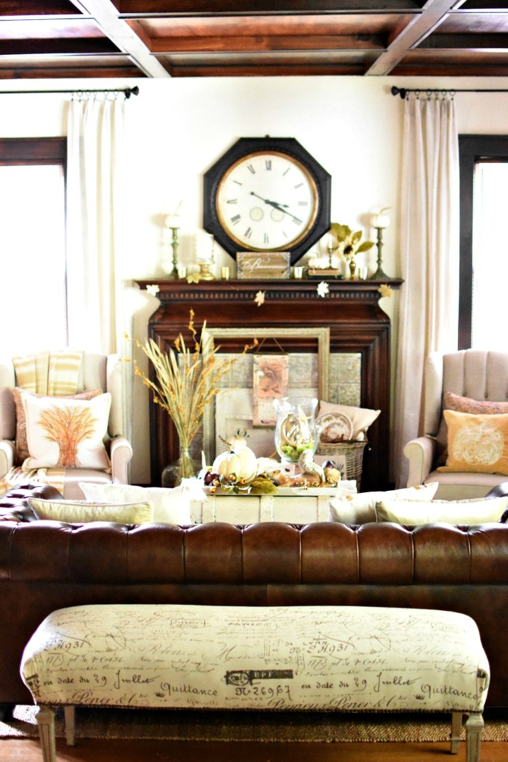 Beautiful vintage French fall living room fall home tour #fallhometour #bloggerfallhometour Dark woodwork coffered ceiling stained woodwork historic home tour
