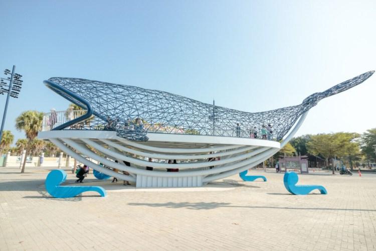 台南安平景點「大魚的祝福公共藝術」超大鯨魚現身安平港/怎麼去