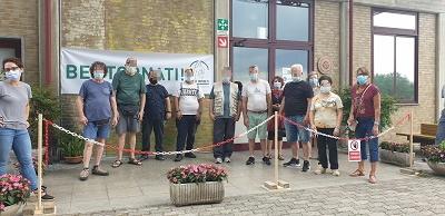 Foto di gruppo prima di entrare
