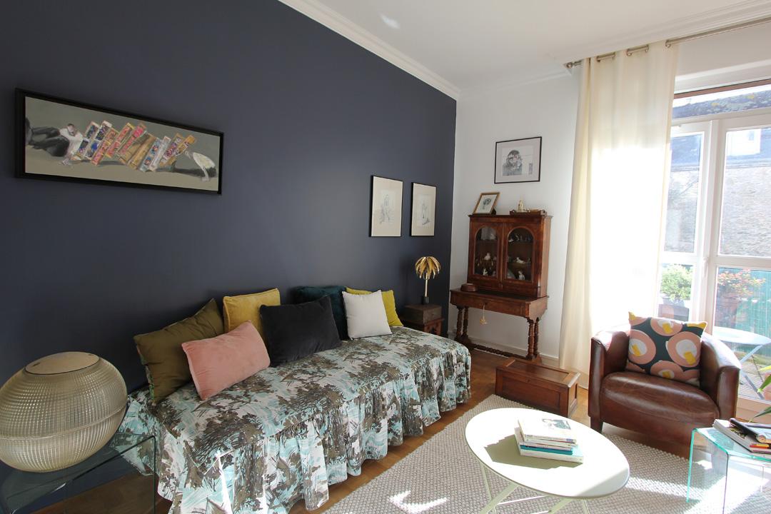 peinture salon bleu profond fontaine