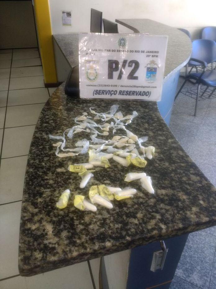 Homens são presos por tráfico de drogas em Cabo Frio