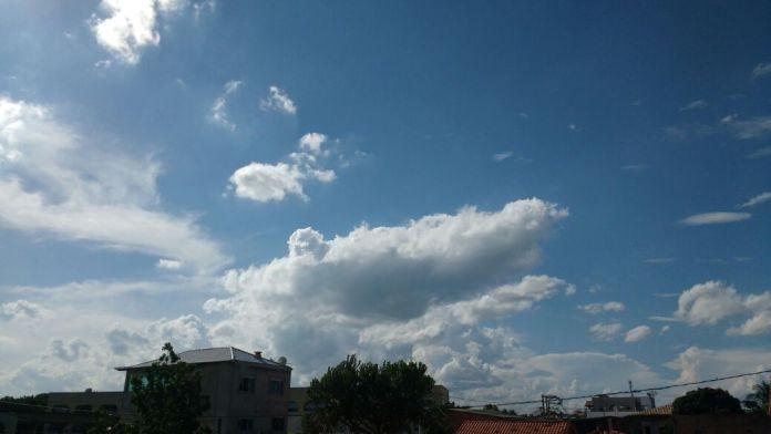 Segundo o Inmet, próximos dias serão de temperaturas mais altas, porém com nebulosidade. Foto: Fonte Certa