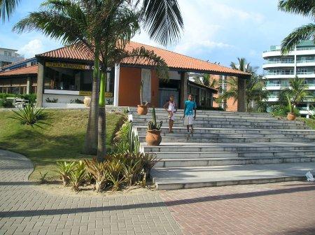 Segundo a Prefeitura, prédio não vinha seguindo normas técnicas de segurança. Foto: Reprodução/ Internet