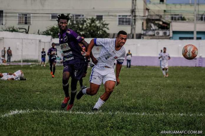Jogo foi bastante disputado. Foto: Bruninho Volotão/ Araruama FC