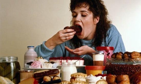 COMPULSÃO POR COMIDA 1 - Compulsão alimentar: saiba tudo sobre essa doença