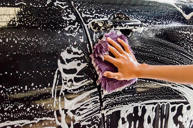 lavar o carro - Queimar calorias fácil no dia a dia! É possível! Veja atividades!