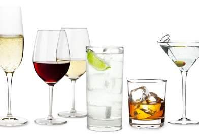 Por que misturar bebida alcoólica dá ressaca? Saiba o motivo!