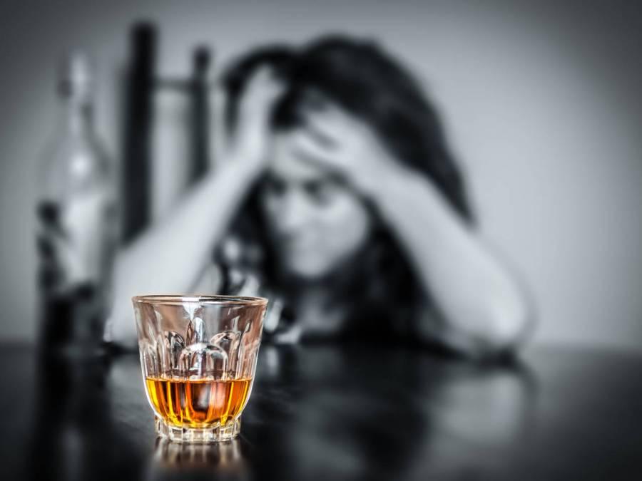 2 4 - Por que misturar bebida alcoólica dá ressaca? Saiba o motivo!