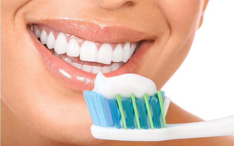 fonte da saude - Clareamento Dental Natural Caseiro