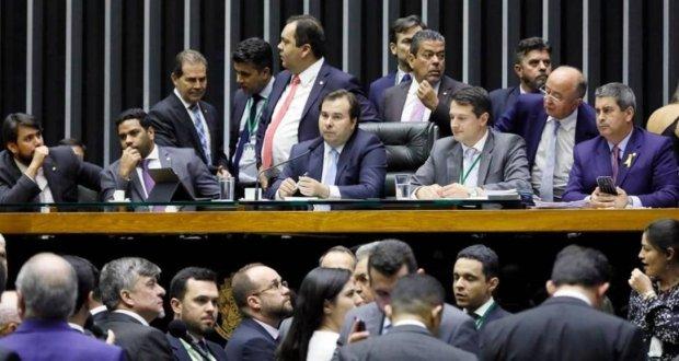 Câmara aprova projeto que estabelece novas regras para partidos e eleições