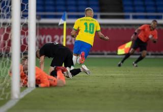 Brasil vence na estreia do futebol masculino nas Olimpíadas