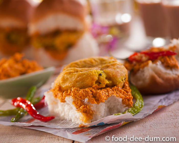 Food-Dee-Dum-Vada-Pav-Recipe-2