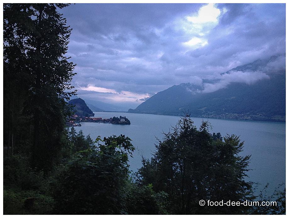 Food-Dee-Dum-Switzerland_Interlaken_v2-1
