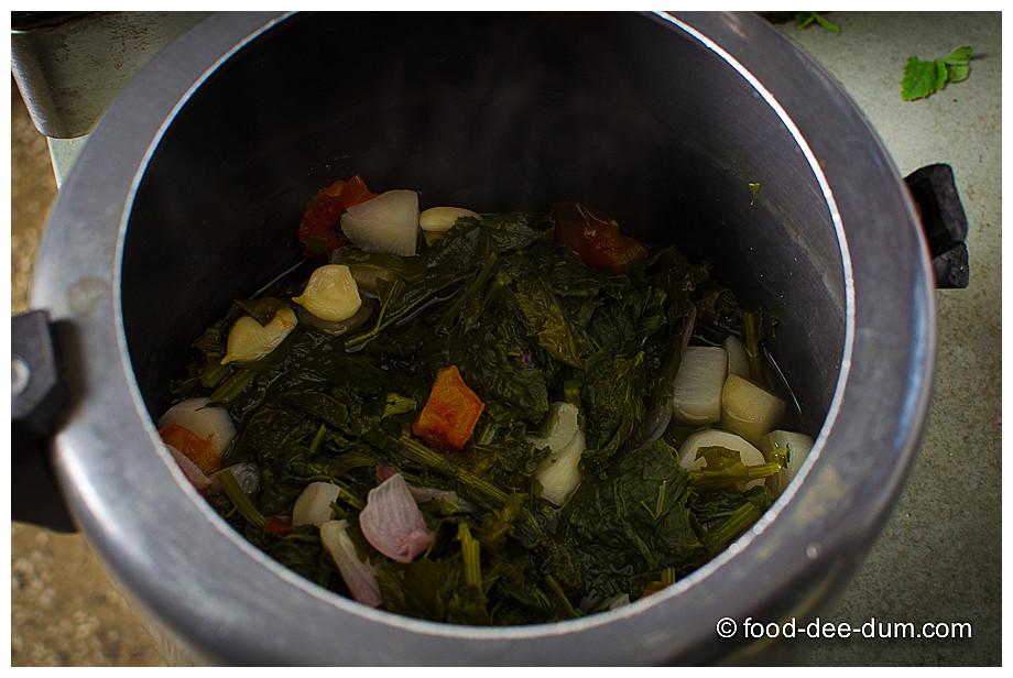 Food-Dee-Dum-Sarson-Ka-Saag-11