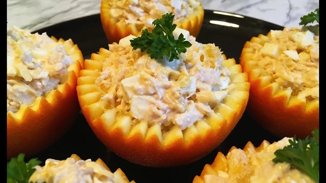 Салат в апельсине — украшение вашего стола