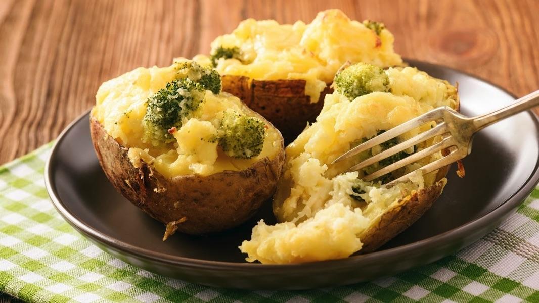 Запечённый картофель с ветчиной и горчицей