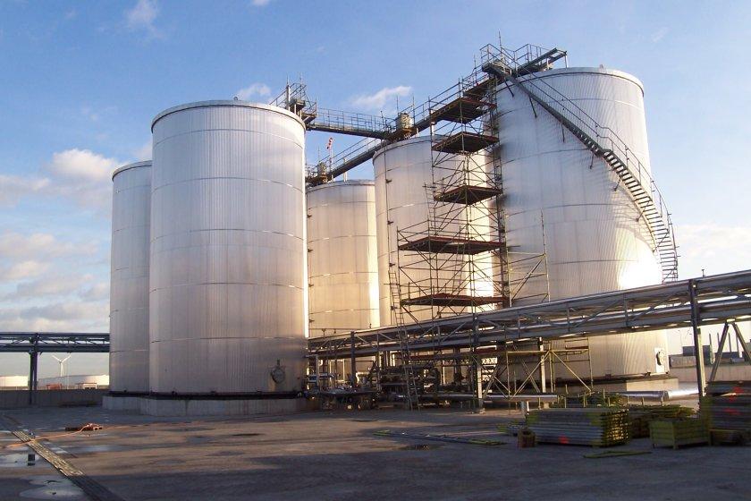 food oil blending in large tanks