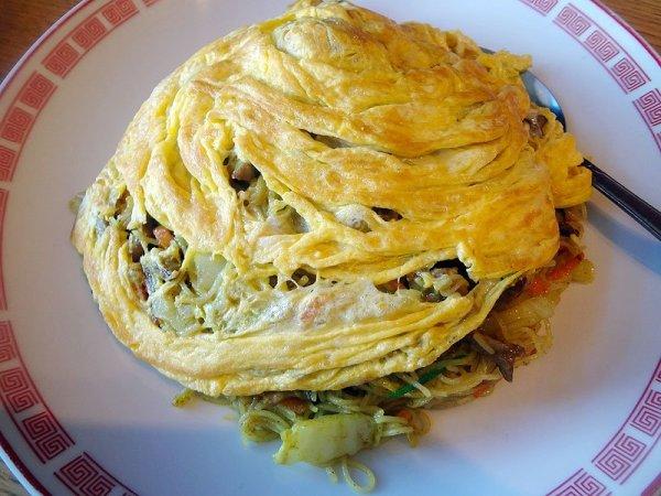 singapore-noodles-top-view