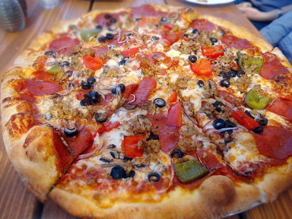 the-works-pizza