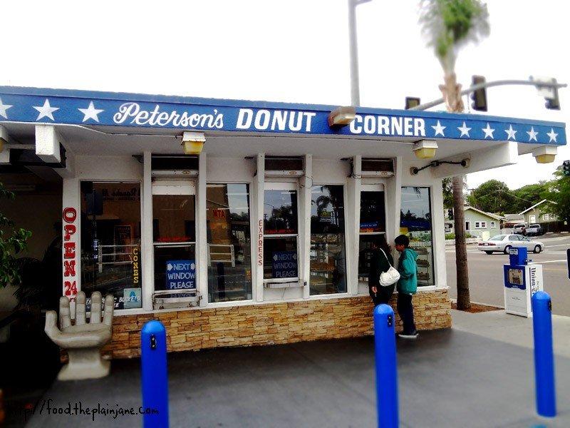[Image: petersons-donut-corner-escondido.jpg]