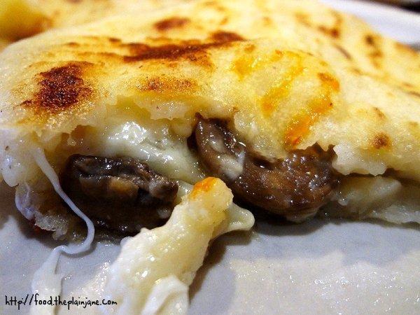 mushroom-cheese-pupusa