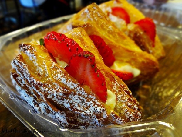 strawberry-croissants