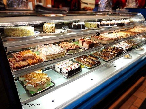 bakery-dessert-case