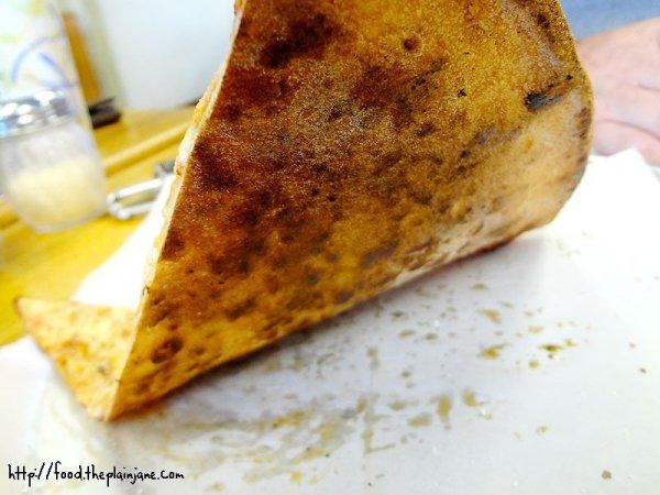 bottom-pizza-crust-paulys-pizza-miramar