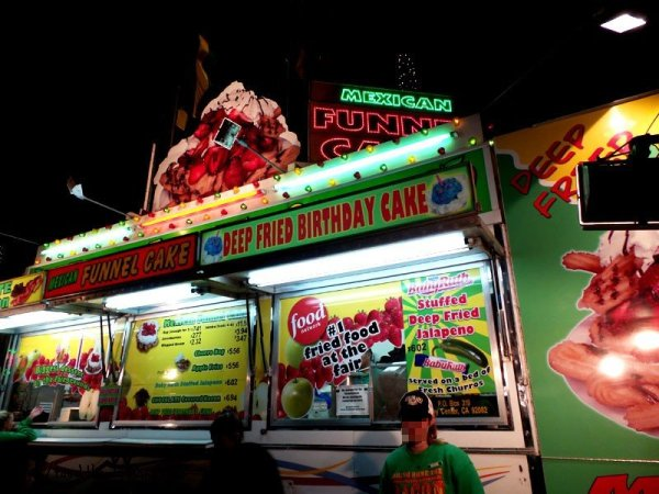 mexican-funnel-cake-booth