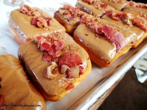 18-donut-bar-maple-bacon-donuts
