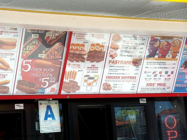 wienerschnitzel-sandwiches-corn-dogs-menu