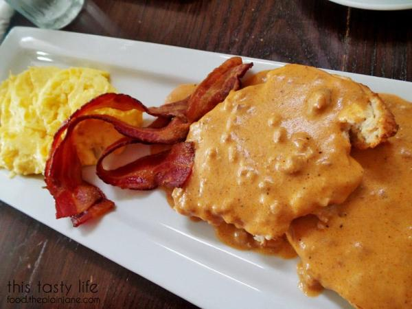 Biscuits and Gravy / Hanna's Gourmet - San Diego, CA