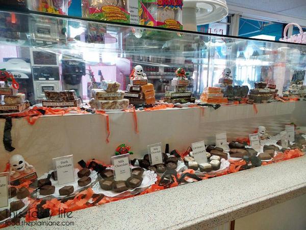 chocolate-counter-lloyds-of-avalon