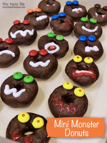mini-monster-donuts-halloween-watermark