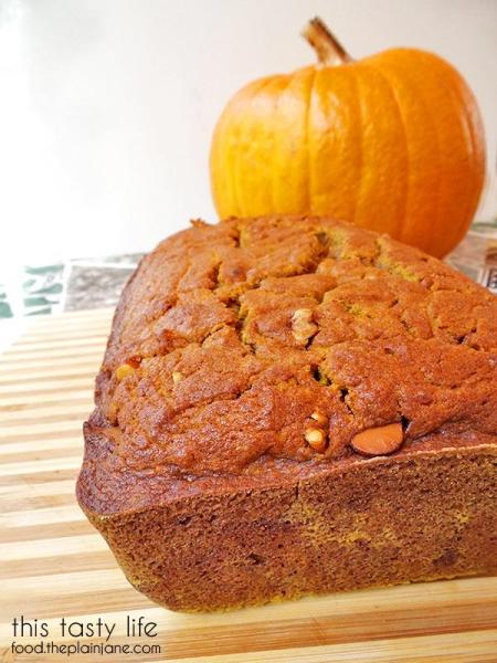 PPumpkin Chocolate Chip Pecan Bread - it's what's for breakfast! | This Tasty Life - food.theplainjane.com