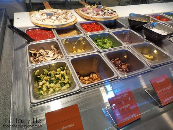 blaze-pizza-toppings-veggies