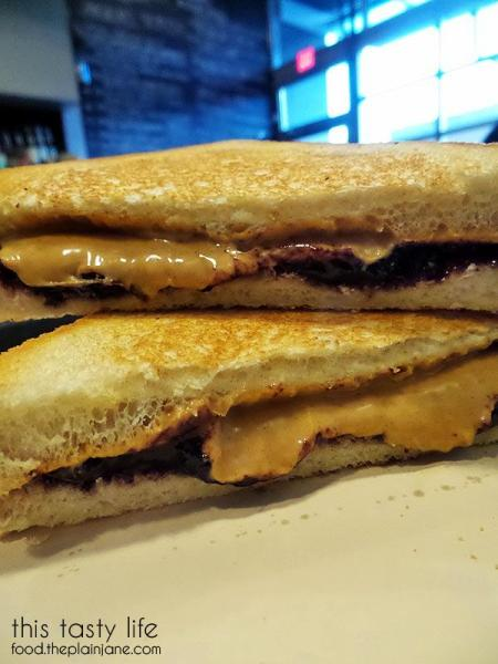 bunk-sandwiches-peanut-butter-jelly