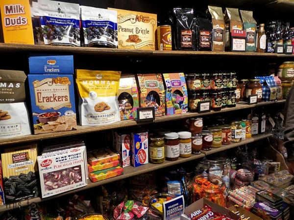 cracker-barrel-old-timey-store-food